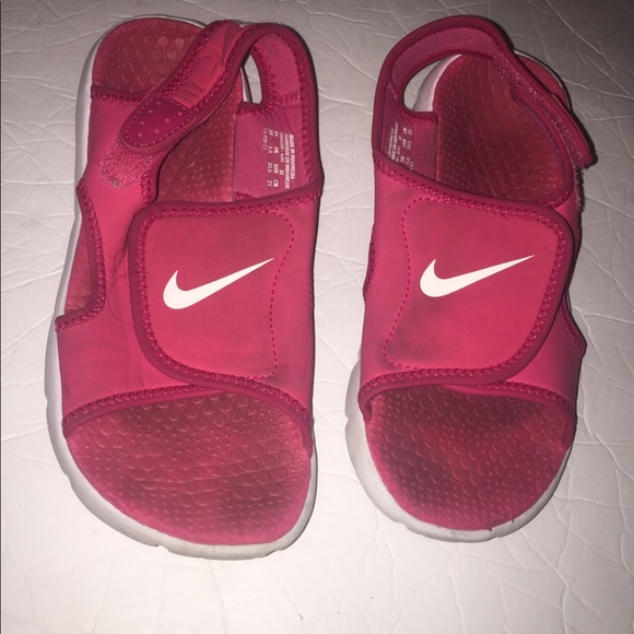 Nike Other - Nike pink girls Sunray water sandals size 2y
